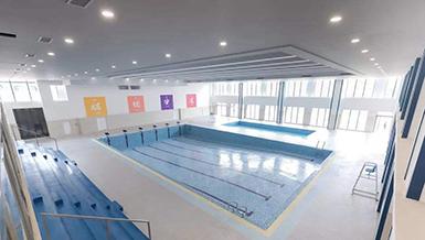 学校游泳馆